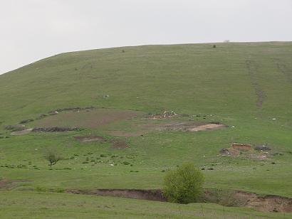 Ciobanii și oile au plecat - Mizeria a rămas!